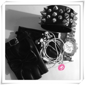 OOTD: Accessories in Black & White